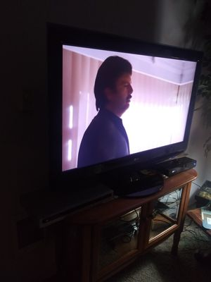 LG FLAT SCREEN TV for Sale in Eugene, OR