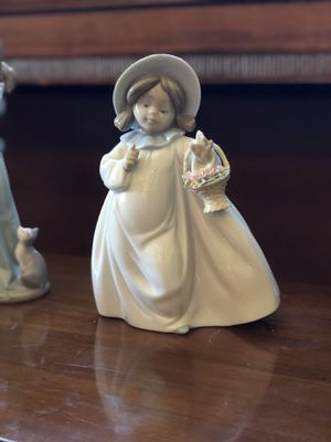Lladro figurine...collectible for Sale in Cresskill, NJ