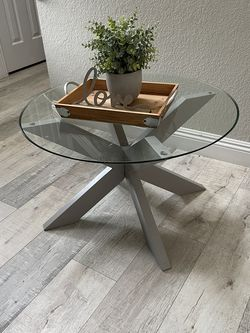 Table for Sale in Riverside,  CA