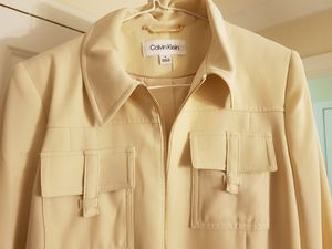 Women suit coat brand new size 6 for Sale in Washington, DC