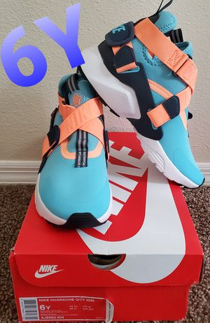 Nike Huarache Size 6Y for Sale in Altamonte Springs, FL