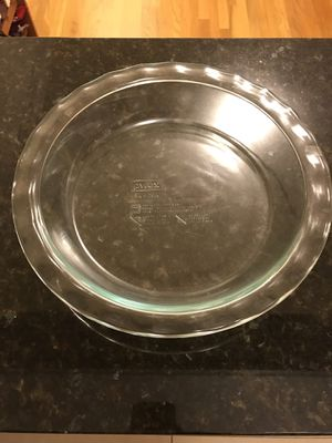 Pyrex baking dish for Sale in Boston, MA