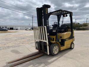 2012 Yale 5000 pound forklift for Sale in Duncanville, TX