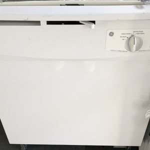 GE White Dishwasher Great Condition 6 Months for Sale in Naples, FL
