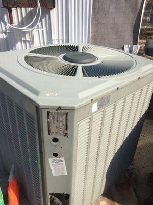 2 1/2 tons condenser unit for Sale in Cameron, NC