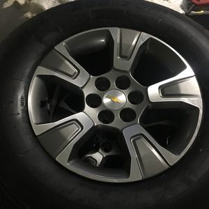Chevy envoy rims like new set all 4 for Sale in Miami, FL