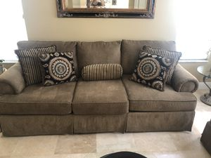 Free. Sofa and love seat. Little damage. Nice couch for Sale in Boca Raton, FL