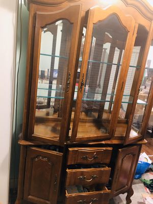 Vintage Wood China cabinet for Sale in Chicago, IL