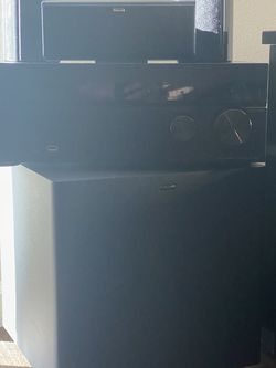 Home Theatre - Sub Woofer, Receiver & 5 Speakers for Sale in Sunol,  CA