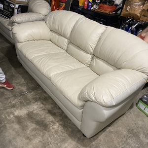Leather Couches for Sale in Oregon City, OR