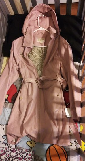 MICHAEL KORS BLUSH COLORED TRENCH COAT/SIZE XL / DETACHABLE HOODIE for Sale in Gardena, CA