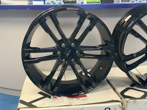 24 inch helo wheels for Sale in Fort Myers, FL