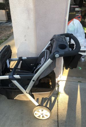 Chicco double stroller. Used only a couple of times . Been sitting in the garage. make me an offer.. for Sale in Artesia, CA