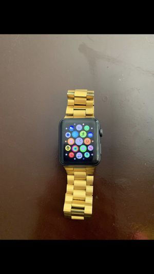 Apple Watch series 3 42mm for Sale in San Bernardino, CA