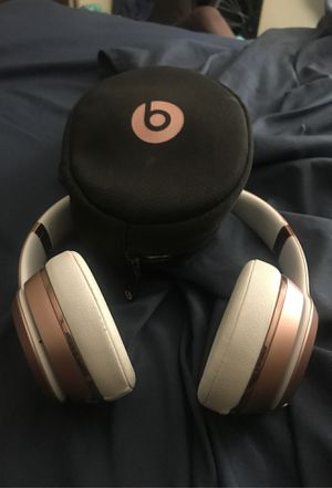 """Apple """"Beats Solo3 Wireless Headphones Rose Gold with charger and case for Sale in The Bronx, NY"""