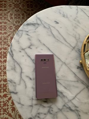 Samsung Galaxy Note 9 cell phone with case for Sale in Seattle, WA
