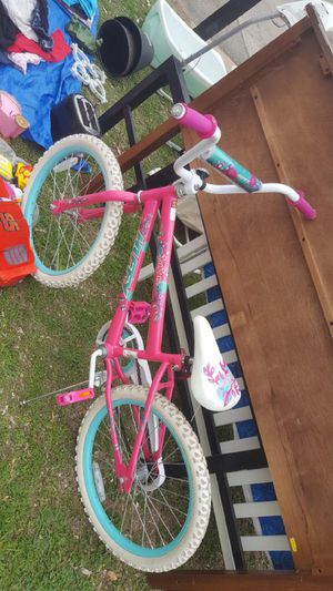 Girl bike pink for Sale in Austin, TX