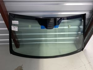 2001-2005 Mercedes ML windshield FW2255GYY for Sale in Queens, NY