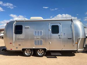 2007 19 foot airstream Travel trailer 75th anniversary - $34500 (Hard to find 19 foot airstream in great condition) for Sale in Surprise, AZ