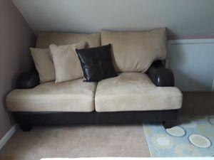 Sofas seminuebos en buenas condiciones limpios for Sale in Manassas, VA