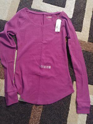 Juniors thermal long sleeve shirt for Sale in Las Vegas, NV