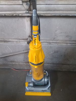 Dyson cyclone root upright vacuum for Sale in Denver, CO