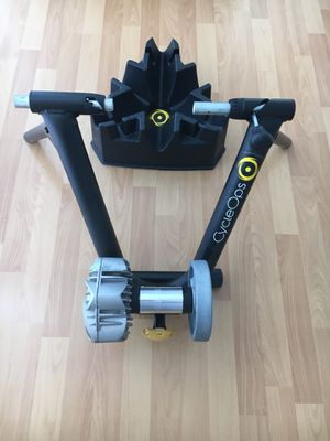 Cycle Ops fluid 2 bike trainer- perfect conditions- for Sale in Miami, FL