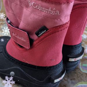 Toddler Snow Boots Size 6 for Sale in Redwood City, CA