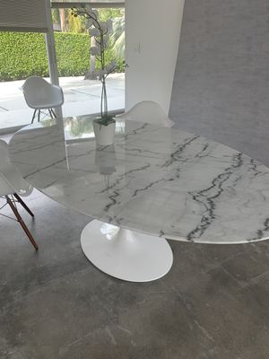 Oval white marble dining table for Sale in Miami Beach, FL