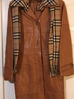 Woman's Beautiful Leather Coat for Sale in Vancouver,  WA