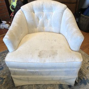 Vintage 80's Swivel Club Chair for Sale in Concord, CA