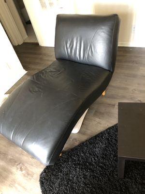 Black lazy boy chair for Sale in Boca Raton, FL