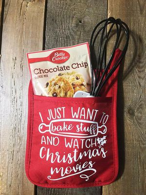 Great gift Idea- Pot holder baking set for Sale in Spanaway, WA