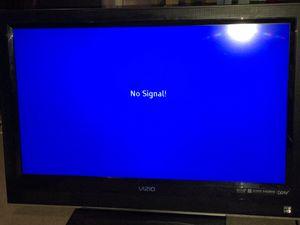 40 inch flatscreen TV for Sale in Savannah, GA