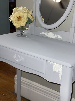 Vanity & Matching Stool Set for Sale in Yonkers, NY