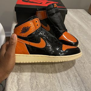 Nike Shattered Backboard 3.0 (men size 5) for Sale in Hinsdale, IL
