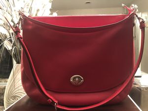 Coach Turnlock Hobo in red pebble leather for Sale in Fontana, CA