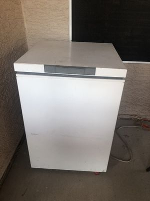 Chest freezer for Sale in Phoenix, AZ