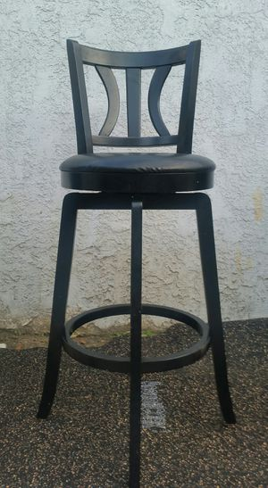 2 Bar & Counter Swivel Stools for Sale in Bellflower, CA