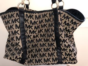 Michael Kors Monogram Tote Bag (Black) for Sale in Washington, DC