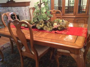 Lexington Dining Table with Six chairs and matching buffet for Sale in San Jose, CA
