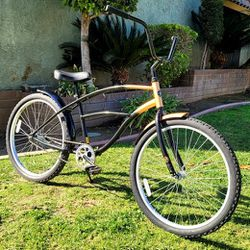 "Hang Ten California Aluminum Beach Cruiser Bike 26"" GOOD CONDITIONS!! for Sale in Whittier,  CA"