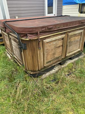 Hot tub for Sale in Rochester, WA