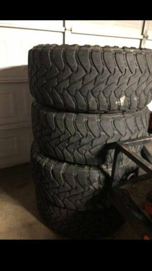 37x12.50R20 TOYO BRAND 55% THREAD for Sale in Perris, CA