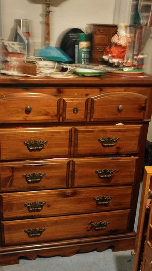 Chest of drawers for Sale in Washington, DC