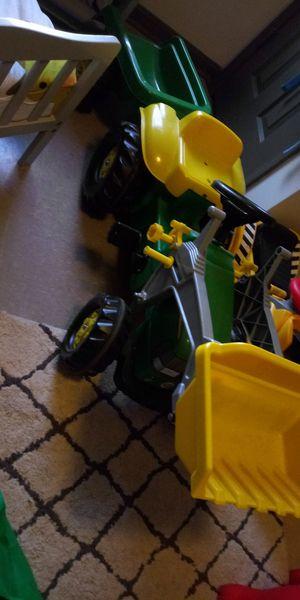 John Deere Tractor Trailer & Frontloader bike for Sale in Toledo, OH