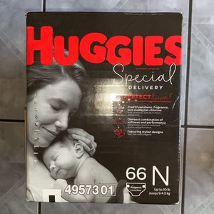 Newborn DIAPERS for Sale in Maywood, CA