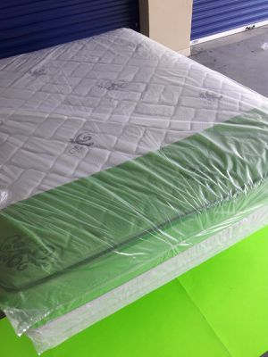NEW QUEEN MATTRESS AND BOX SPRING 🌞 FREE DELIVERY WEST PALM BEACH AREA 🚛🚚🏠🌞 for Sale in West Palm Beach, FL