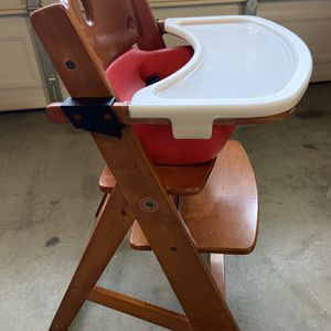 Keekaroo Infant/Toddle Height Right Highchair for Sale in San Clemente, CA