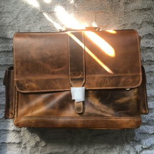 NEW ADDEY SUPPLY COMPANY PURO LUSSO BROWN LEATHER MESSENGER BAG for Sale in Clinton Township, MI